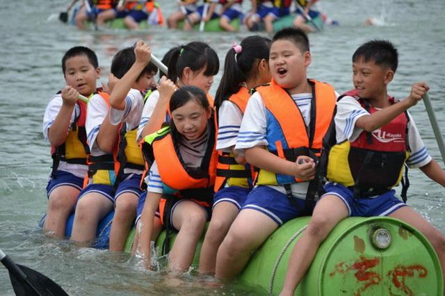 水陆竞技场的「独木舟体验