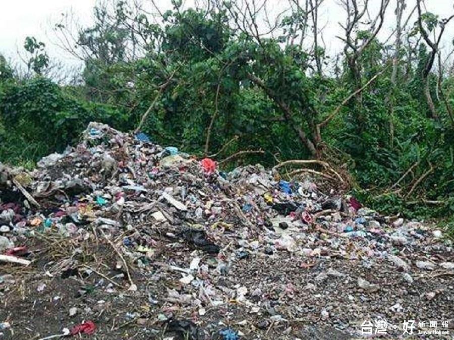 鄉長怒了! 壯圍防風林遭棄置大量垃圾
