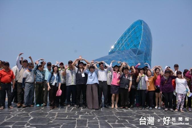 6月1日起「臺灣好行-鹽鄉濱海線」高跟鞋教堂設站,假日發車時間延後