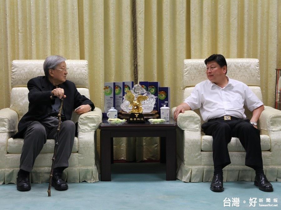 兩岸電影展移師花蓮 導演李行拜會傅崐萁分享交流