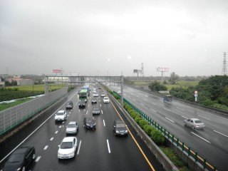 因應端午連假國道交通疏運,交通部國道高速公路局宣布,5月27日~5月30凌晨0時至5時國道暫停收費。(圖/資料照)