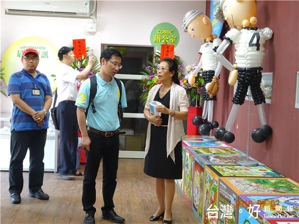 上海圖館主任訪花蓮市圖 大讚館員細心營造書香之美