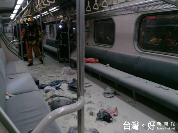 台鐵區間車去年7月7日晚間發生炸彈攻擊(圖/翻攝自fun臺鐵臉書粉絲頁)