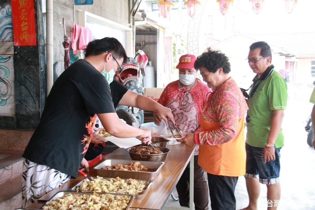 關懷長者、促進情感 彰縣大庄社區舉辦社區共餐