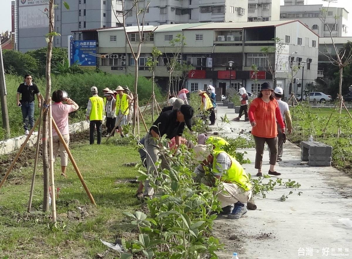 打造花園城市 斗六鎮西居民種下綠色願景