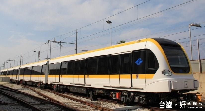 捷運環狀線原型車,30日在義大利完工出廠。(圖/新北市政府捷運工程局提供)