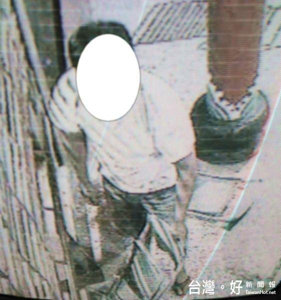 當監視器裝假的 蠢賊偷百元香油錢遭送辦