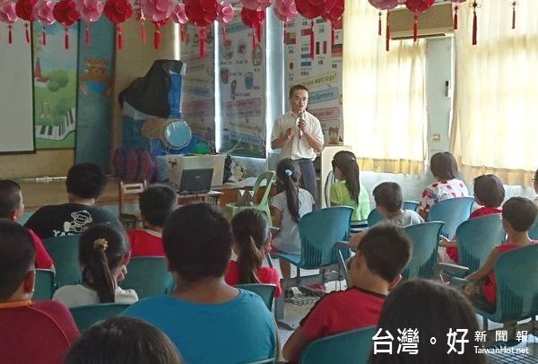 至中溪國小交通宣導 虎尾分局邀學童變身「功夫小高手」