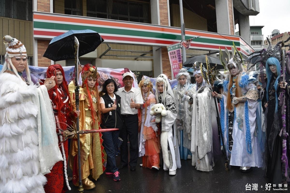 布袋戲嘉年華踩街 掀起雲林國際偶戲節首波熱潮