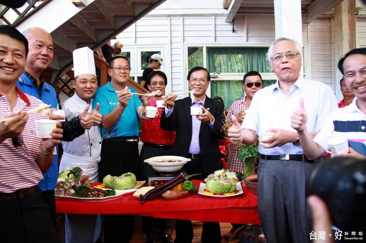 南投農產公司33週年慶 民眾大啖肉品美食