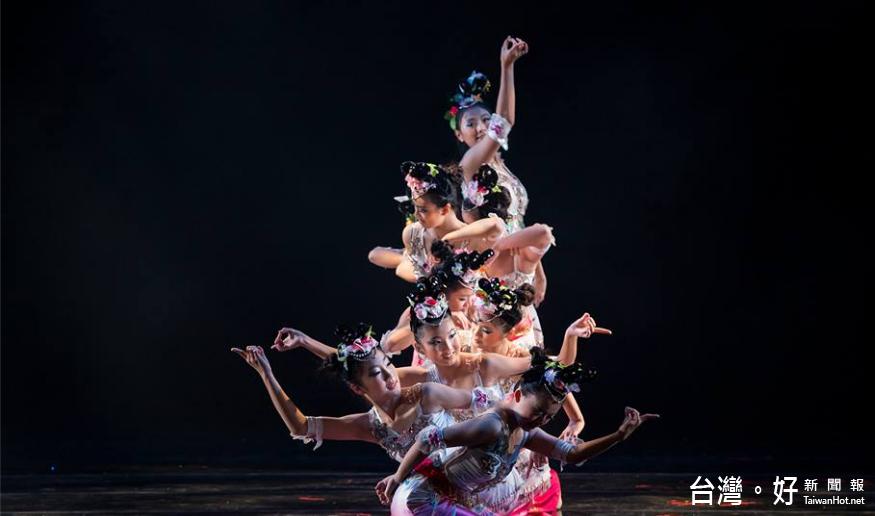 水精靈民族舞蹈團新作 引領進入「聽雨」的幻化天地