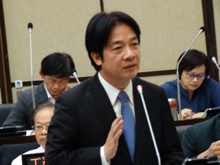 台南市長賴清德因日前拋出「親中愛台」的兩岸論述, 7日接受電台訪問時表示,親中愛台是設立平台,以台灣為核心,向中國伸出友誼的雙手。(圖/資料照片)