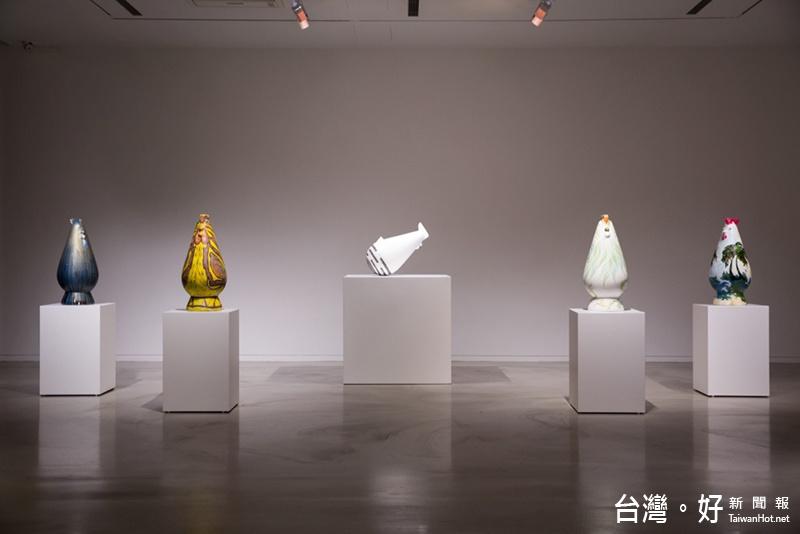「感動雞」藝術家彩繪助學特展 21日亮相台東美術館