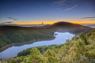 太平山上的翠峰湖日出美景。(圖/羅東林管處提供)