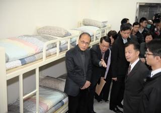 行政院長林全在法務部長邱太三的陪同中,視察「法務部矯正署台北監獄」。