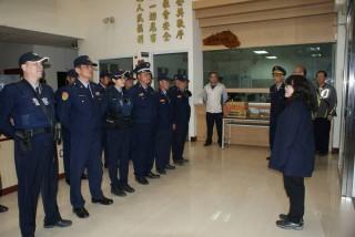 縣政府民政處長慰問集集分局員警加強春安維護工作之辛勞。