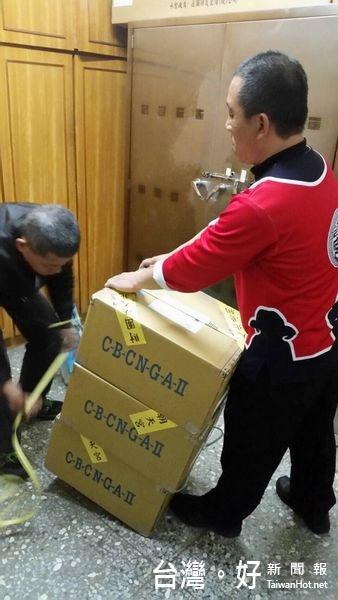 保護民眾春節財物 暖警讓槍櫃變身為錢櫃