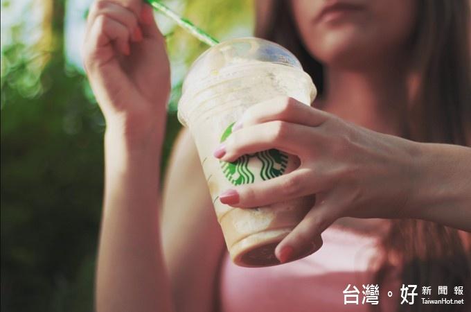 有網友質疑星巴克、統一超商CITY CAFÉ都使用相同咖啡豆,對此統一星巴克鄭重否認,表示公司只能用美國總部進口的咖啡豆與原料,不可能使用不是星巴克出品的咖啡豆。(圖/Pexels)