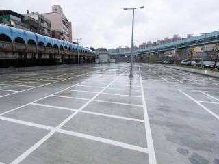 基隆火車站南站停車場,3/6起5天免費停車,3/11正式啟用。