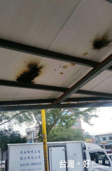 男子爭風吃醋放鞭炮 造成洗車場天花板燒毀
