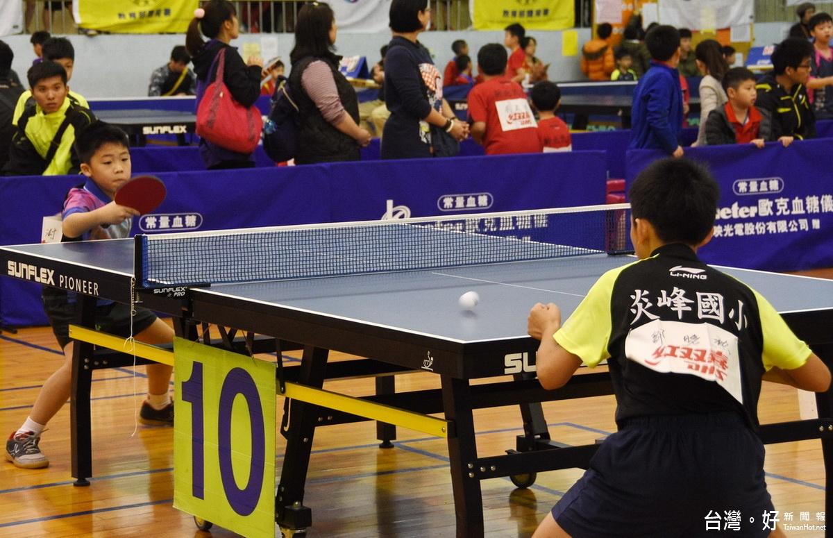 自由盃團體桌球錦標賽草屯登場 2400位小選手競技