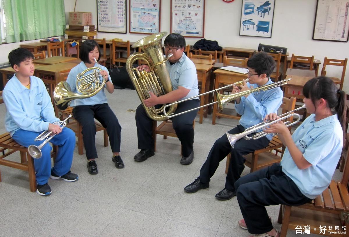 缺乏經費添購新樂器 偏鄉三光國中管樂團奏出全國第一