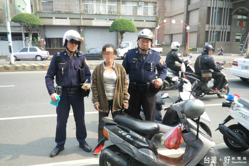 女毒犯交通違規 警攔停查獲安非他命
