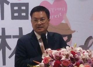 彰化縣長魏明谷表示,對一例一休新制執行,可透過修訂施行細則讓一例一休更周延。
