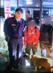 大溪警分局尋獲登山迷途的陳女及林女,兩女對警方感激不已。(記者陳寶印攝)