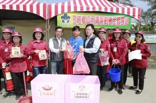五結鄉公所今年與宜縣環保局推出更優質的掃墓便民服務。(圖/五結鄉公所提供)