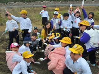 東勢林區管理處將辦理「三二一國際森林日」活動,邀請松鶴部落的大、小朋友植樹、護樹。(圖/東勢林區管理處提供)