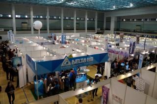 中大企業博覽會,吸引眾多廠商進駐招募生力軍。