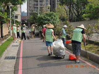 幸福里環保志工清潔社區環境