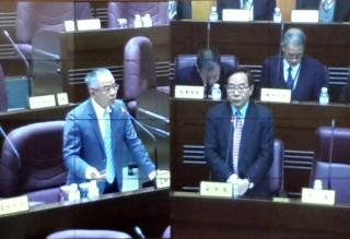 桃園市議會國民黨團書記長徐玉樹(圖左)建議市府暫停對一例一休開鍘。