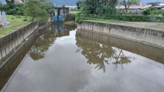 防汛期近 花蓮市各抽水站調節池清淤完成