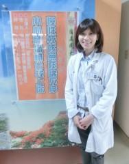 成大斗六分院胸腔科歐芷瑩醫師呼籲若有8周以上連續咳嗽,應儘速求診胸腔科,接受胸部X光檢查。(記者陳昭宗拍攝)