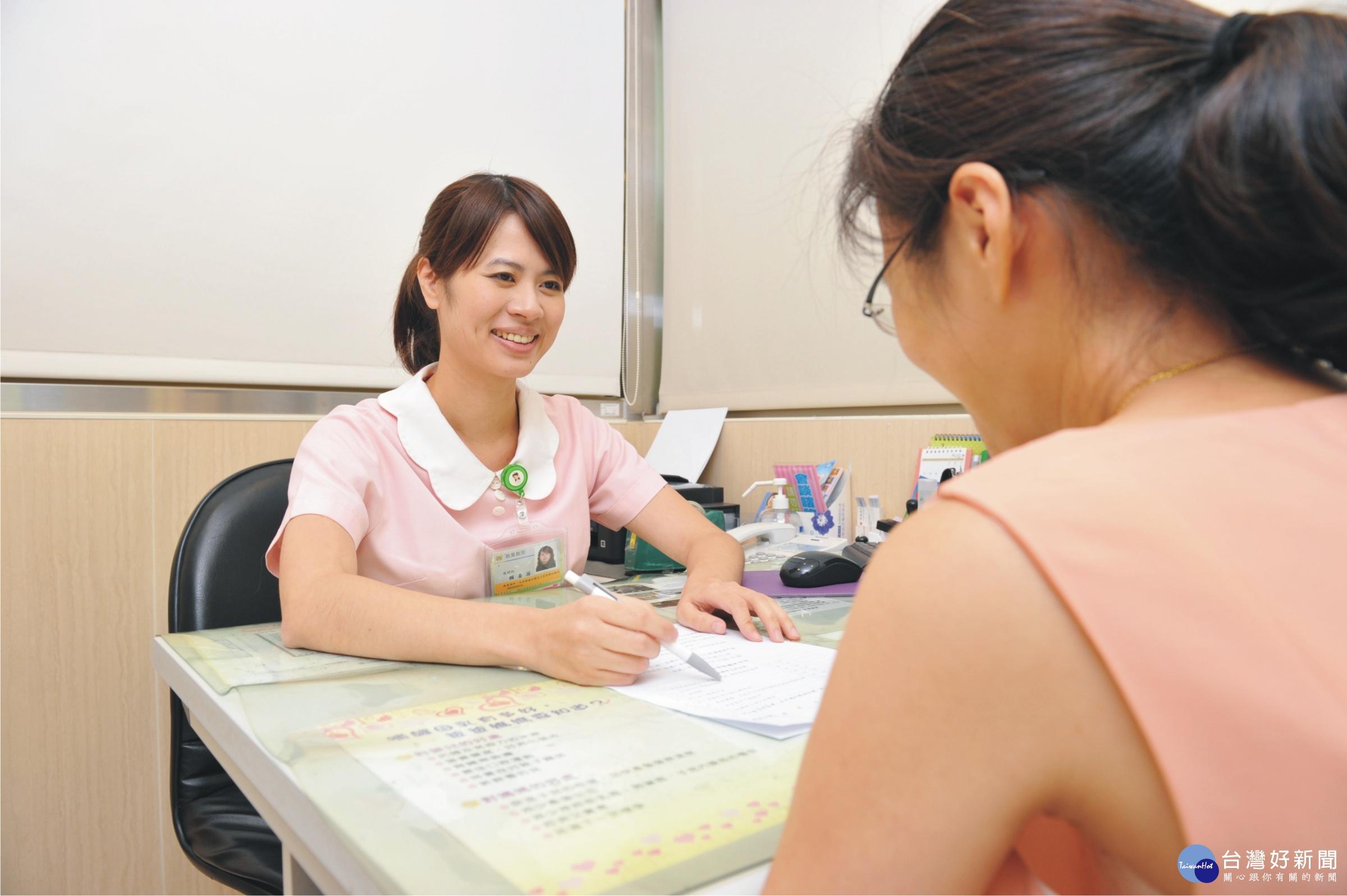 婦女改善尿失禁 護理師教導凱格爾氏運動