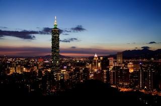 內政部營建署公布2016年度第3季房價負擔能力指標統計成果,台北市房價所得比為15.47倍,意即想在台北市區買房,得不吃不喝15.47年才有可能。(圖/Pixabay)