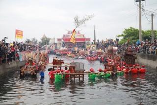 布袋百年民俗祭典 神轎「衝水路、迎客王」