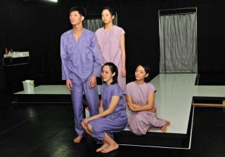 演員精湛的演技與生動的肢體動作令人動容。(記者許素蘭/攝)