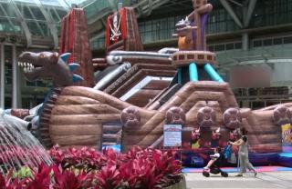 海盜船開進百貨 可容納80孩童嗨翻