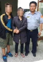 警方埋伏逮捕竊盜男通緝犯,並以通訊軟體引出其前妻毒品通緝犯歸案。(記者陳昭宗拍攝)