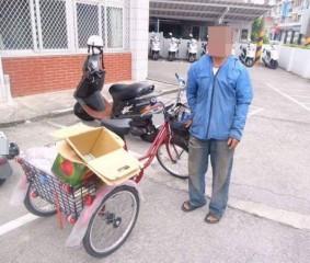 犯嫌假借資源回收,竊取修車廠之車輛零件,遭警方循線逮捕。(記者陳昭宗拍攝)