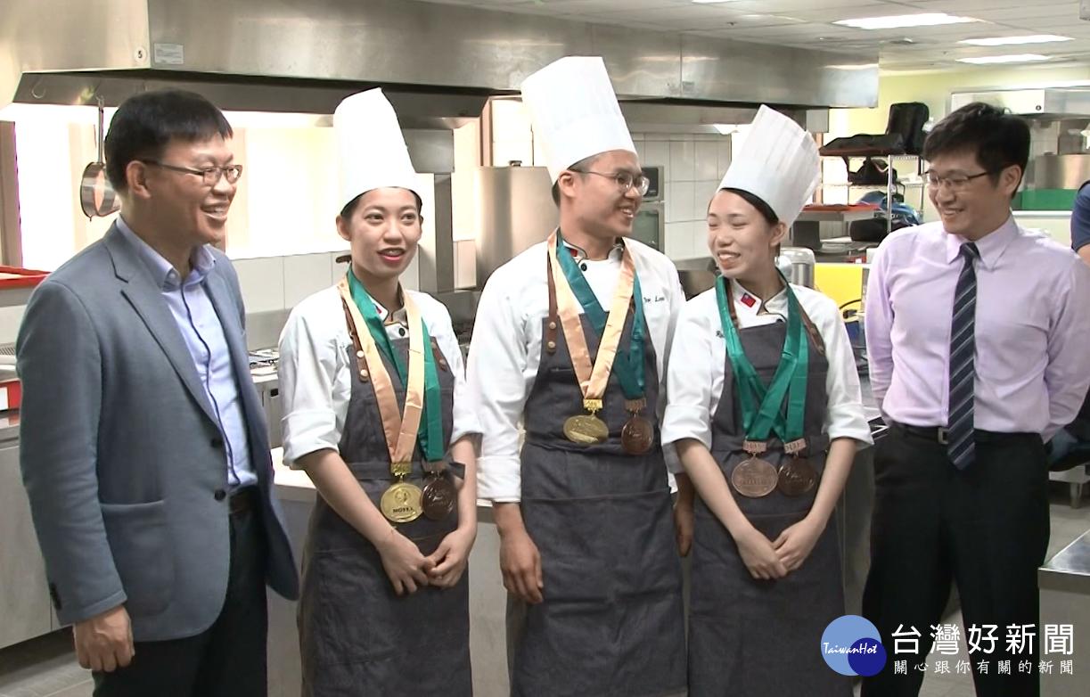 香港國際美食賽 玄大奪二金四銅