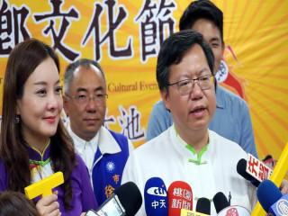 針對機捷沿線小站遭批沒鳥沒蛋,桃園市長鄭文燦直指政府怠惰造成。
