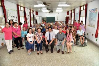 南投副縣長陳正昇等分赴社福機構慰問住民。