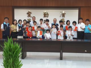 苗栗致柔武術聯隊榮獲台灣世界盃武術錦標賽六金五銀四銅的佳績。(記者許素蘭/攝)