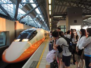 端午節連假加強高鐵台中站區,交通管制。林重鎣攝