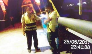 警方獲報男子意圖輕生後,立即展開協尋,適時挽回寶貴的性命。(記者陳昭宗翻攝)