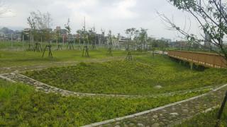 兼具景觀與防洪的雨水生態花園(圖/臺北市政府工務局公園路燈工程管理處提供)